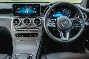 Mercedes-Benz_GLC 200_Dashboard_Steering Wheel_MBUX
