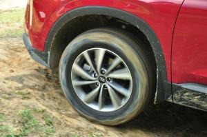 Hyundai Santa Fe_HTRAC_All Wheel Drive_CRDI_Diesel