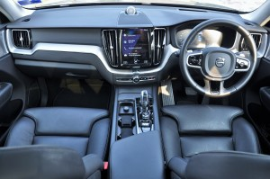 Volvo XC60_Dashboard