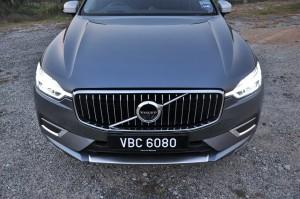 Volvo XC60_Front