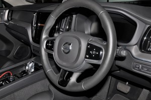 Volvo XC60_Steering Wheel