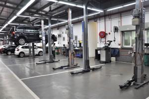 Volkswagen_VW_Service Centre_Work Bays_Hoists