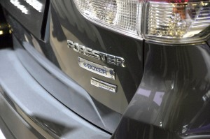 Subaru_Forester e-BOXER_EyeSight_Badge