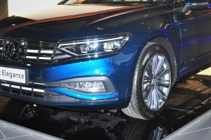 Volkswagen Passat Elegance_LED Headlight_Fog Light_Alloy Wheel