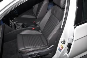Volkswagen Passat Elegance_Front Seats