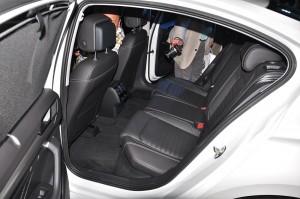 Volkswagen Passat Elegance_Rear Seats