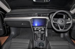 Volkswagen Passat Elegance_Interior_Dashboard