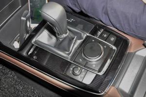 Mazda CX-30_SkyActiv-D_Centre Console_Gear Lever_Mazda Connect Controller