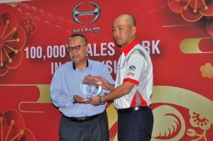 Hino Motors Sales Malaysia_Ikhasas Resources_Atsushi Uchiyama_Dato' Roslan Zainal