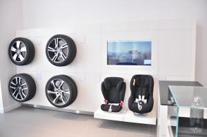 Volvo Cars_3S Dealership_Showroom_Merchandise_Accessories