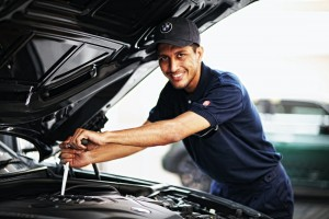 Auto Bavaria i-Service_BMW_Technician_Car Servicing