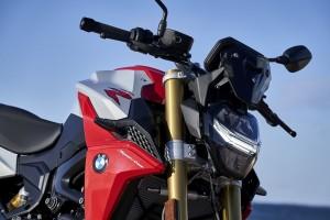 BMW Motorrad_F 900 R (7)_LED Headlight_Front