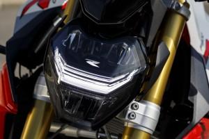 BMW F 900 R (8)_LED Headlight_DRL_BMW Motorrad