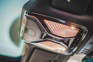 BMW 840i Gran Coupé M Sport (20)_SOS Call_Sunroof Control_Cabin Light
