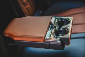 BMW 840i Gran Coupé M Sport (25)_Rear Armrest