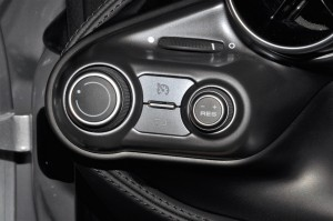 Ferrari F8 Spider_Information Display Controls