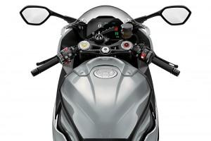 BMW S 1000 RR_Handlebar_Display Screen_Mirrors_Fuel Tank_BMW Motorrad