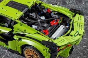 Lamborghini Sian FKP 37 42115_Engine_LEGO Technic