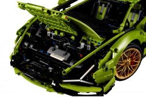 Lamborghini Sián FKP 37 42115_Overnight Bag_LEGO Technic
