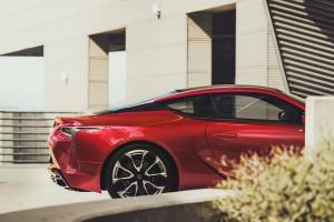 Lexus LC 500_2020_Rear