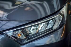 Toyota RAV4_Headlight