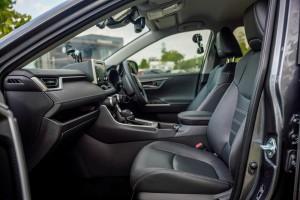 Toyota RAV4_Front Seats