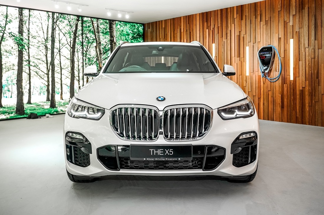 Bmw X5 Xdrive45e M Sport Launched In Malaysia Autoworld Com My