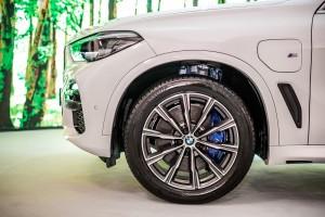 BMW X5 xDrive45e M Sport_Front Wheel