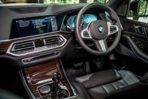BMW X5 xDrive45e M Sport_Interior_Dashboard_Steering Wheel_Centre Console