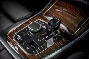 BMW X5 xDrive45e M Sport_Centre Console_Gear Lever_iDrive