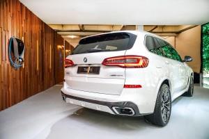 BMW X5 xDrive45e M Sport_Rear View_iWallbox Charger