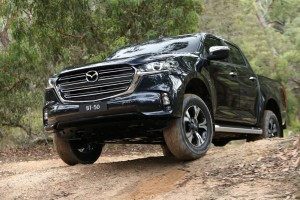 New Mazda BT-50_Off-road