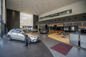 Mercedes-Benz Autohaus_Showroom_Cafe