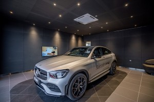 Mercedes-Benz_Autohaus_Dealership_Delivery Bay
