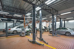 Mercedes-Benz_Autohaus_Service Area_Workshop