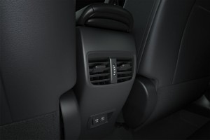 Toyota Corolla Cross_Rear Air Vent