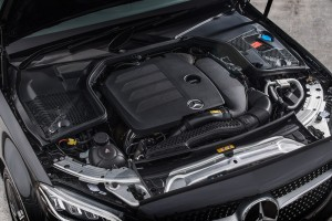 Mercedes-Benz C200 AMG Line_2.0L Turbo Engine