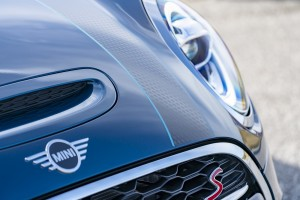 MINI Convertible Sidewalk Edition_Bonnet Stripe_LED Headlight