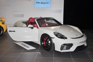 Porsche 718 Spyder_Door