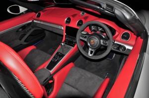 Porsche 718 Spyder_Cabin_Interior_Dashboard_Steering Wheel