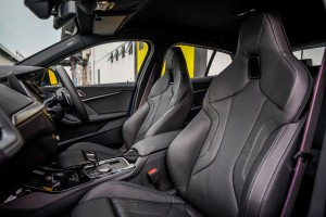 BMW M135i xDrive_Front Seats