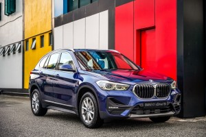 BMW X1 sDrive18i_Front