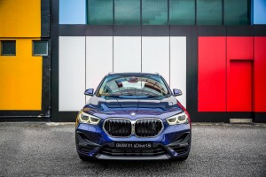 BMW X1 sDrive18i_Front View