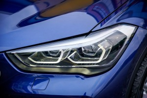 BMW X1 sDrive18i_LED Headlight