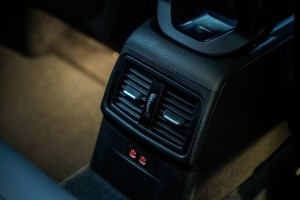 BMW X1 sDrive18i_Rear Air Vents_USB Ports