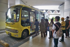 Hino Poncho_Johor_Causeway Link Bus