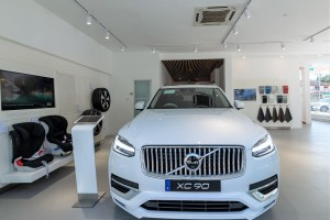 Volvo_Showroom