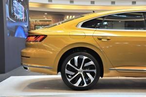 Volkswagen Arteon_Fastback_Roofline_R-Line