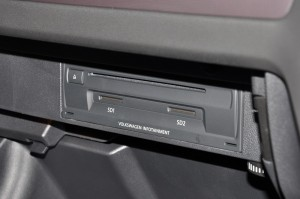 Volkswagen Infotainment System_CD_SD Card Slot