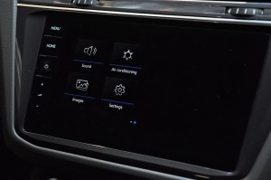 Volkswagen Tiguan Allspace R-Line_9.2 Inch Discover Pro Infotainment Touchscreen Display